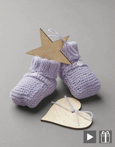 Faire des chaussons pour bébé en s'aidant de vidéos