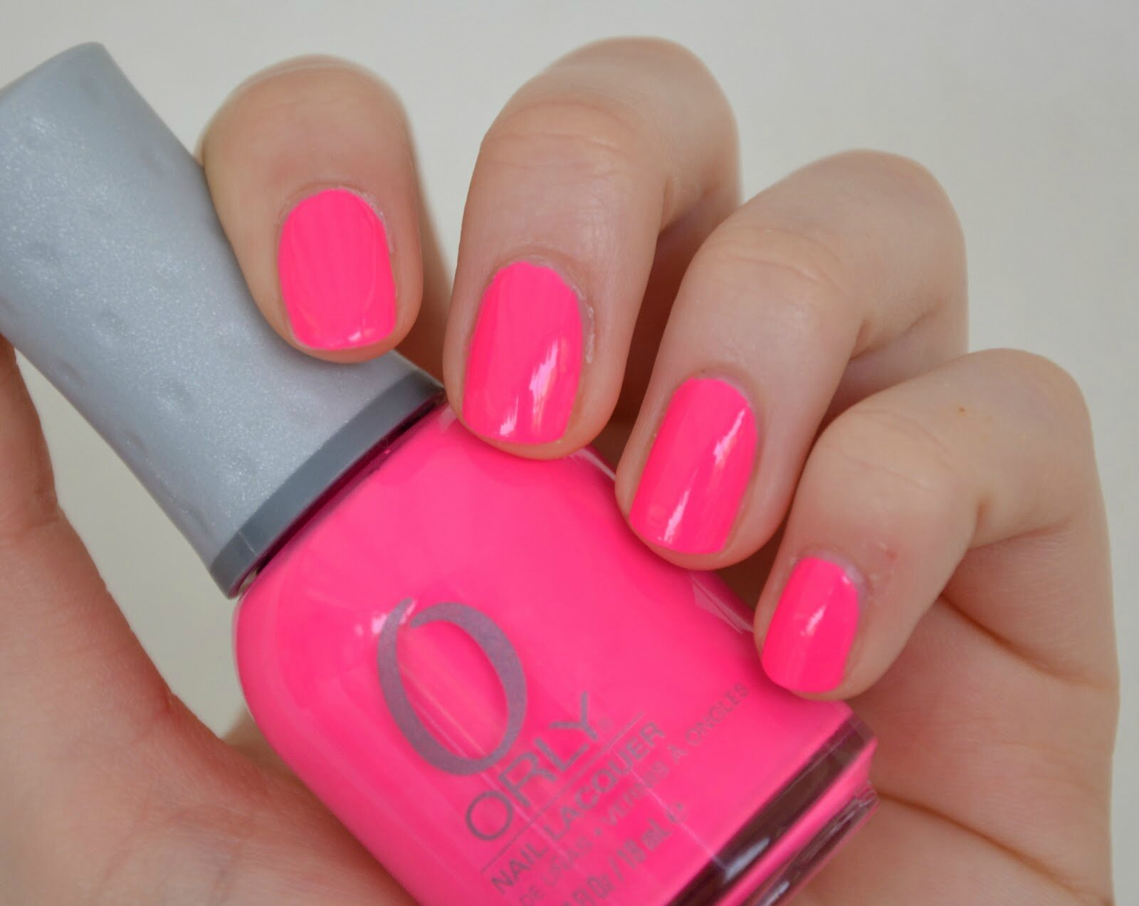 Routine ongles summer 2014 parlons du nude la page des filles - Ongle rose fluo ...