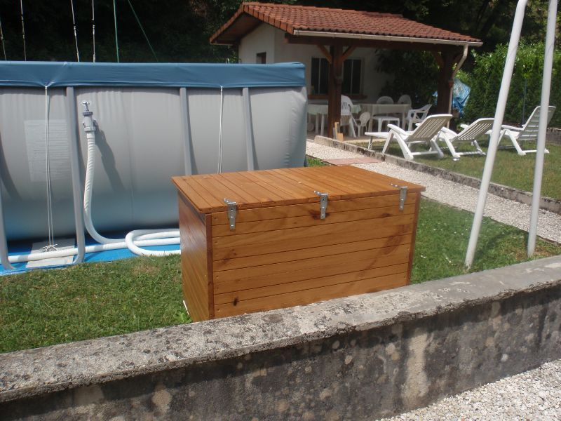 abri de pompe de piscine mai 2011 bricolage etcreation. Black Bedroom Furniture Sets. Home Design Ideas