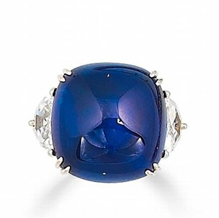 A_sapphire_and_diamond_ring