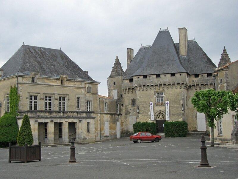 Barbezieux château 03