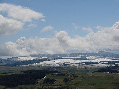 2008 04 14 La neige sur les hauteur tombé durant la nuit dès 1200 mètres environ