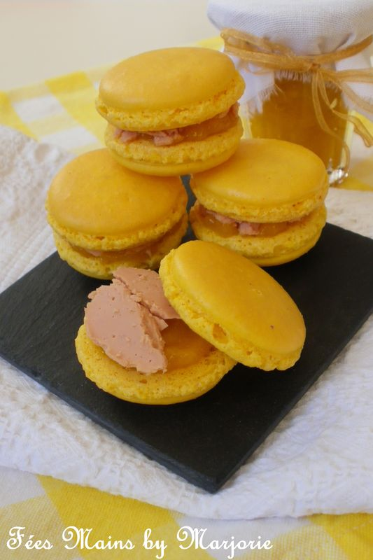 macarons au foie gras et chutney de mangue font le printemps f es mains by marjorie. Black Bedroom Furniture Sets. Home Design Ideas
