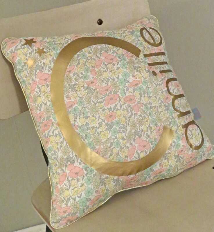 Coussin Camille pastel