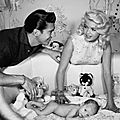 jayne_pink_palace-inside-childroom-1958-12-with_mickey_and_son_miklos-1