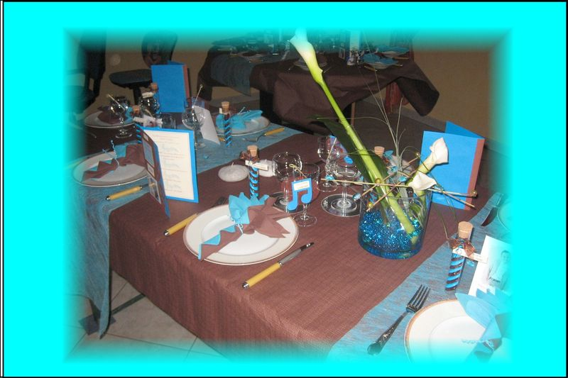 d co de table communion th me musique turquoise et. Black Bedroom Furniture Sets. Home Design Ideas