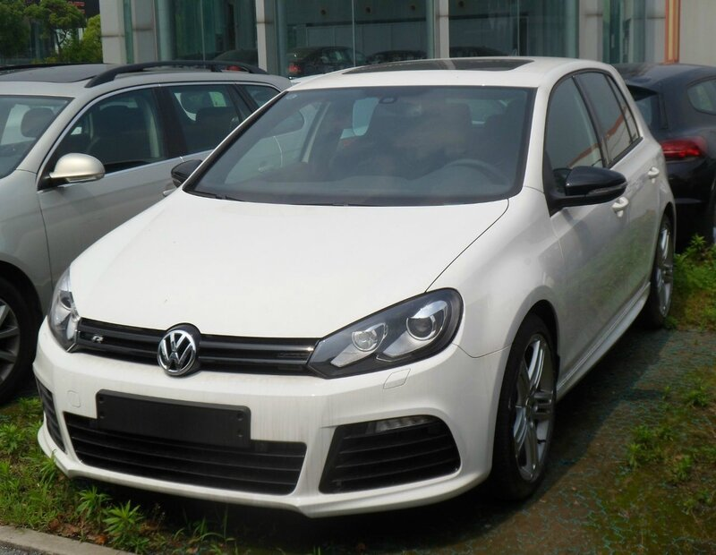 Volkswagen_Golf_VI_R_China_2012-05-26