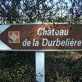Panneau d'accès au château de la Durbellière