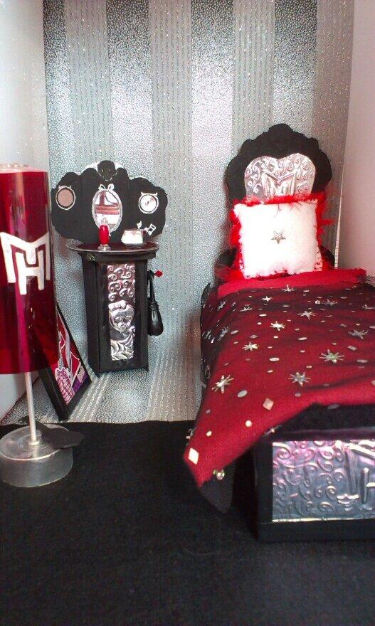 La chambre d 39 operetta my diy maison monster high for Monster high accessoires de chambre