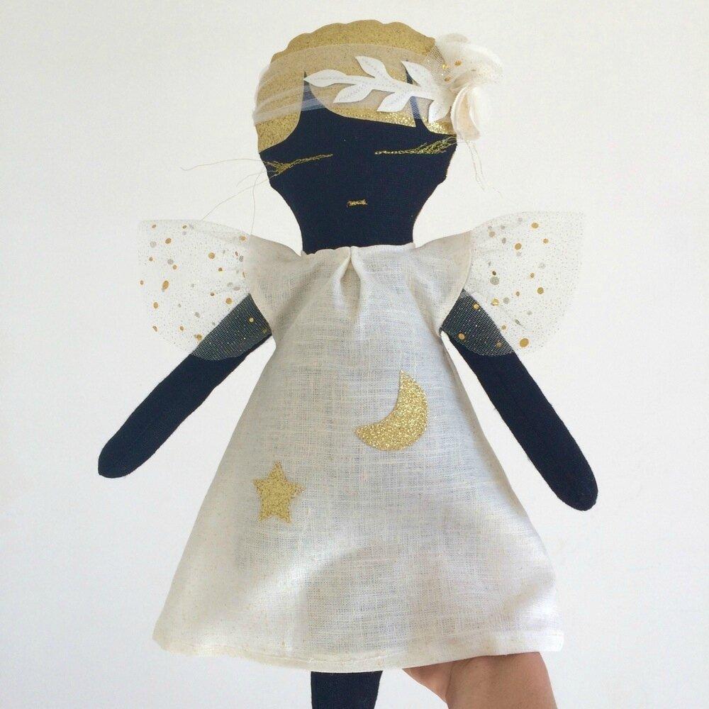 La Poupée Maïa un cadeau parfait pour nos poupées.