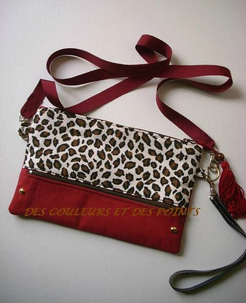 POCHETTE ROUGE MOTIF ANIMAL BIS