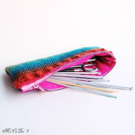 Trousse poems tendres couleurs au crochet 2