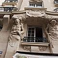 Atlantes engaînés, 199 – 201 rue de charenton