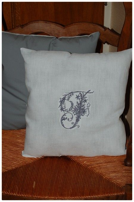 Coussin initiale F