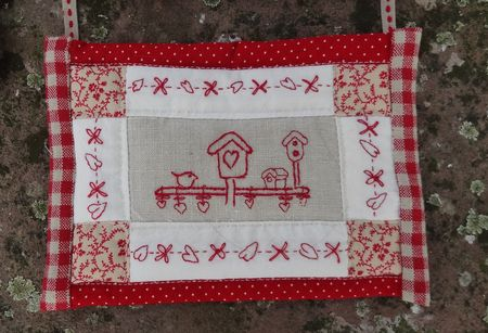sofie_so_cosy_pathwork_broderie_rouge