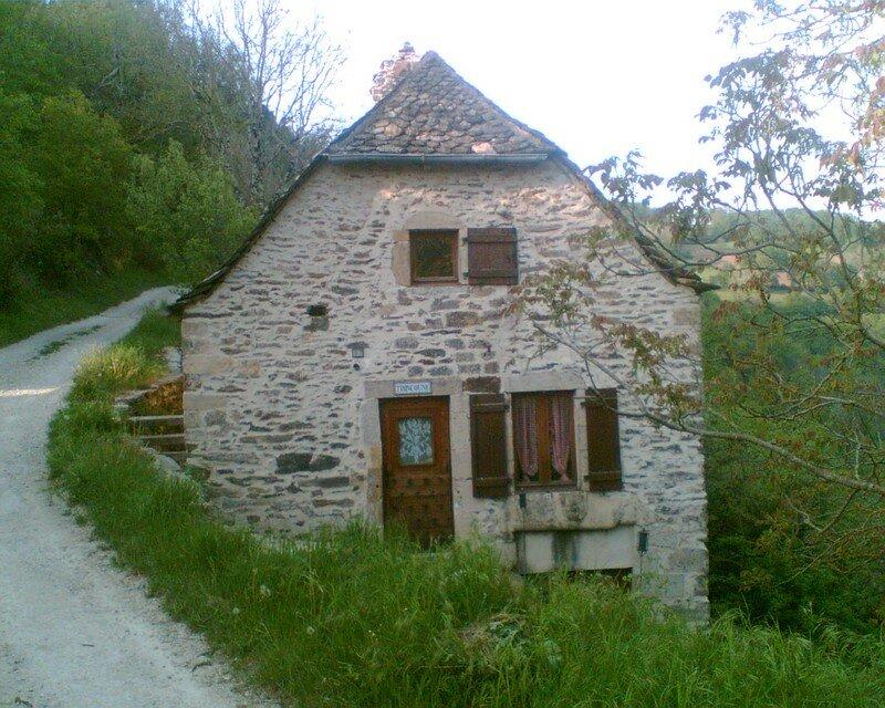 Mirabel (Aveyron), village désert...
