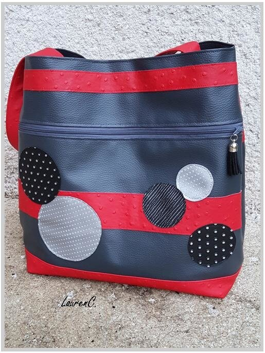 SAC_COSMOS_ROUGE_GRIS_DOS_DEHORS