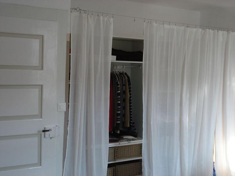 Un nouveau dressing brico deco eco sur le th me maison et d coration - Dressing ferme par un rideau ...
