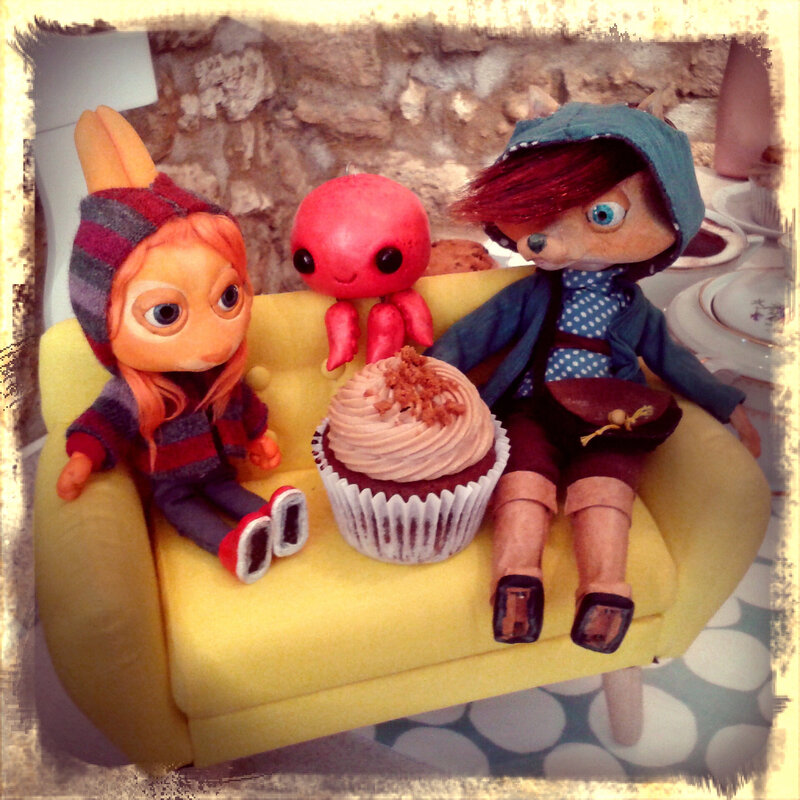 Woody Wood Puppet au garden cupcakes