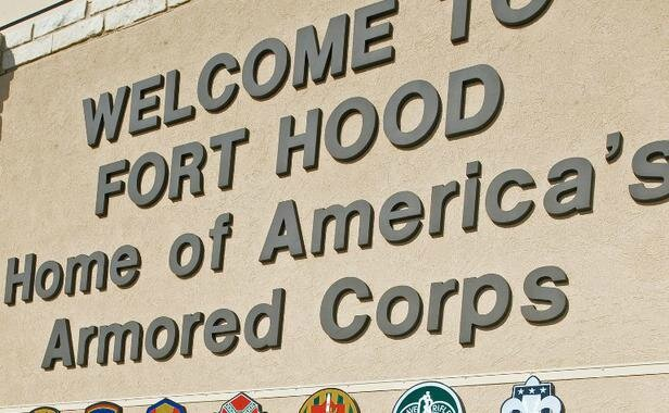 entree-base-fort-hood-texas-7-novembre-2009-1549369-616x380