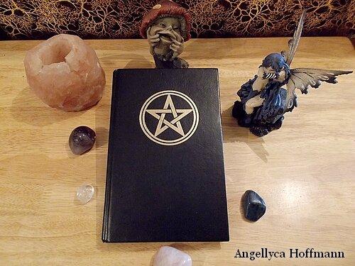 Grimoire - Livre des Ombres - Blog ésotérique Samhain Sabbath