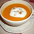 Veloute de petimarron a la chantilly