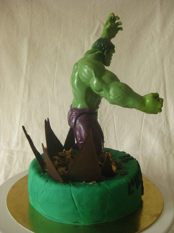 20160522 gâteau hulk (23)