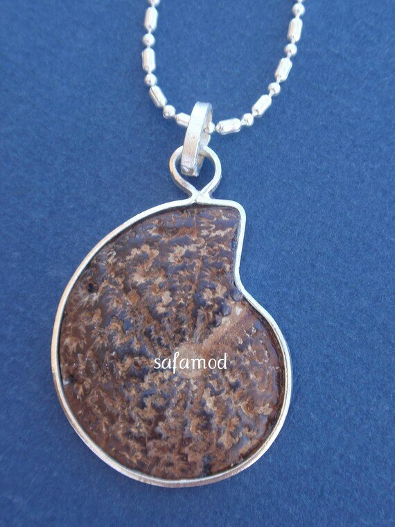collier-collier-mixte-pendentif-fossile-amm-3803625-p4280411-6f4cf_570x0