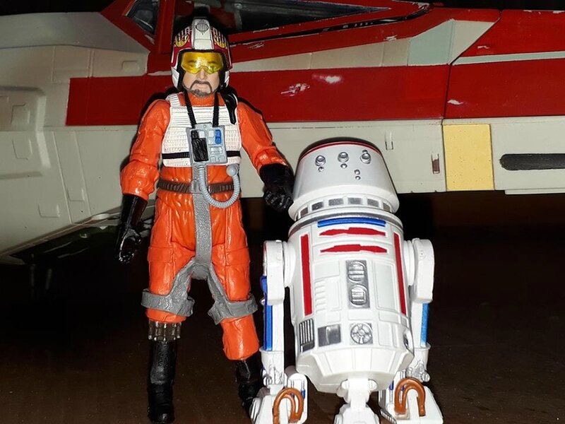 red six pilot droid