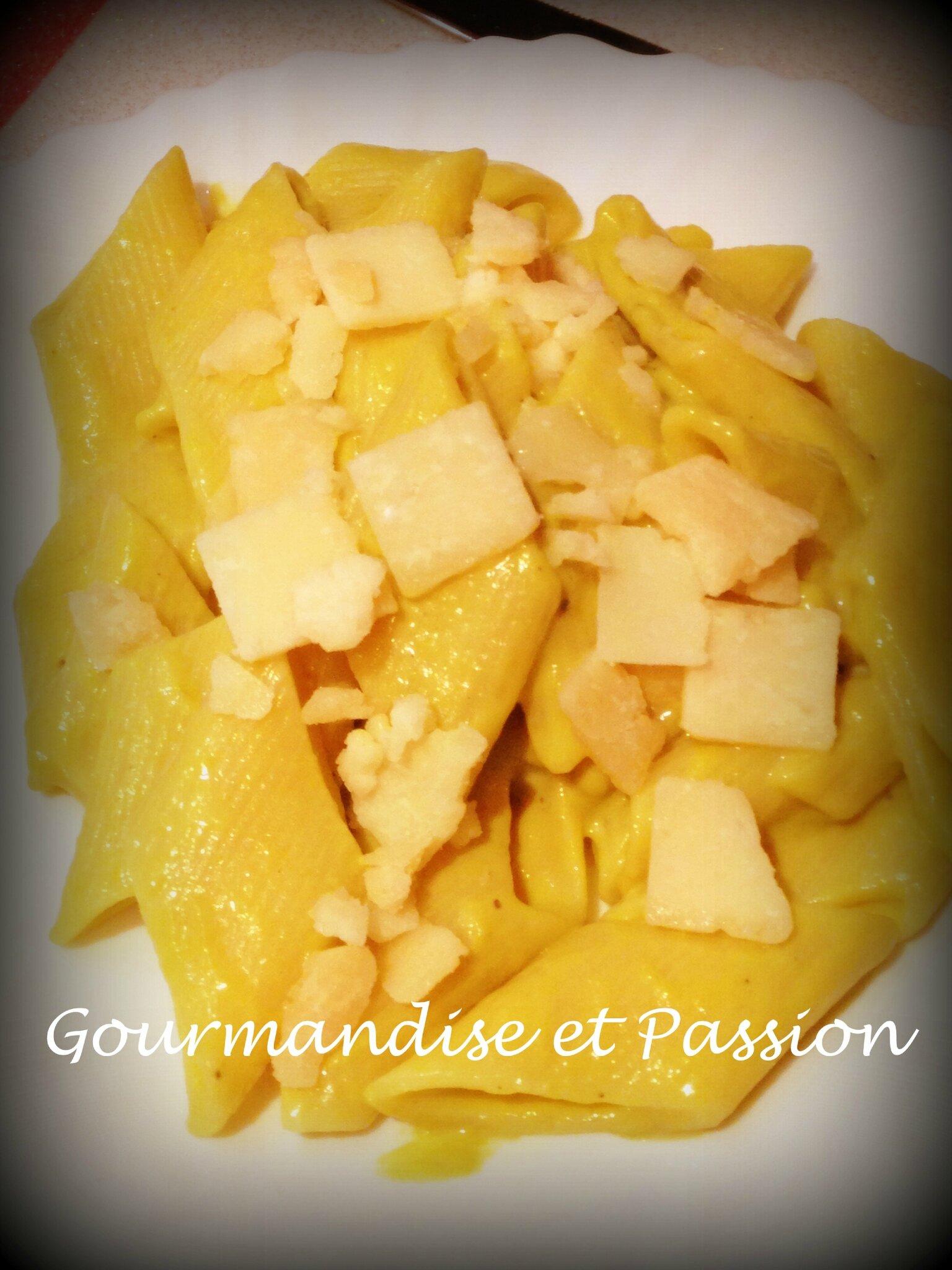 Pâtes à la crème d'asperges et parmesan