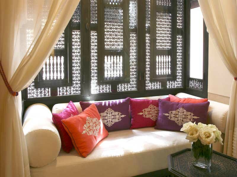 la d coration de salon marocain contemporain maroc artisanat. Black Bedroom Furniture Sets. Home Design Ideas