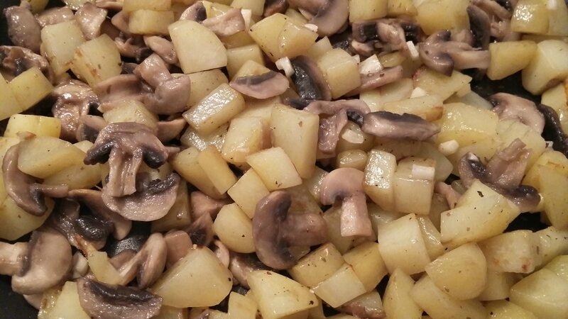 Poêlée pommes de terre - champignons