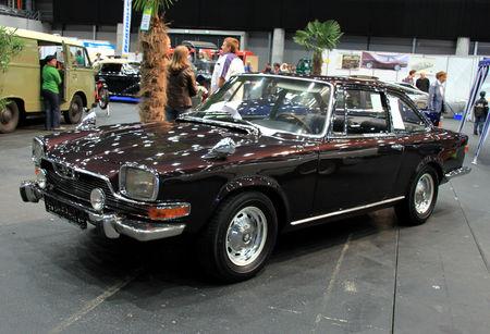 Glas___BMW___3000_V8_coupe_de_1967__RegioMotoClassica_2010__02