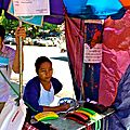 Un ptit coup de fil à passer? dans les rues de Yangon...