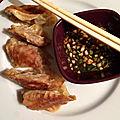 Raviolis chinois et petite sauce d'accompagnement