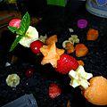 Brochettes ou coupelles de fruits étoilés