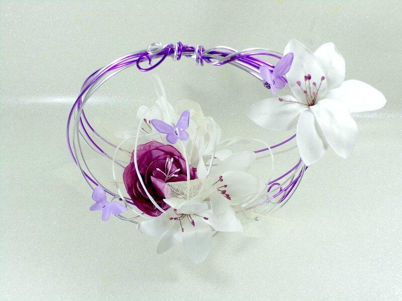 Bouquet de mariée rond mauve parme blanc papillons original
