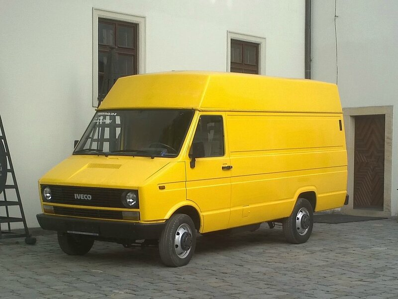 Iveco_Daily_35-8_van,_first_generation_pic2