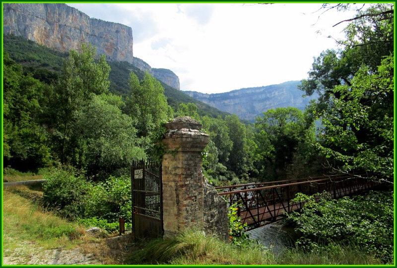 Pont Bourne1