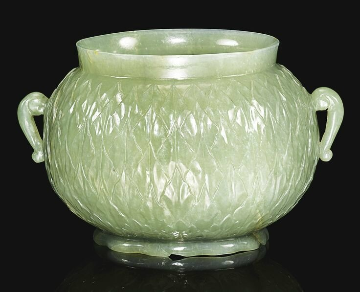 A finely-carved jade pot, India, Mughal, 18th century