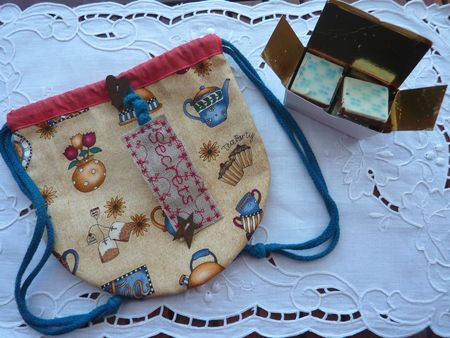 Anniv_2011_Virginie_trousse___chocos