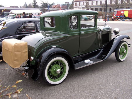 FORD Model A 5window Coupe 1931 Bourse Echanges Auto Moto de Chatenois 2009 2