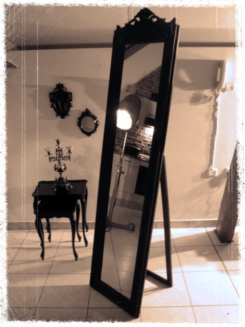 grand miroir 3 photo de grand miroir baroque le bric. Black Bedroom Furniture Sets. Home Design Ideas