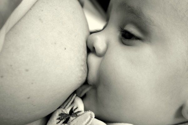 Breast_feeding_by_NessaAncalimon