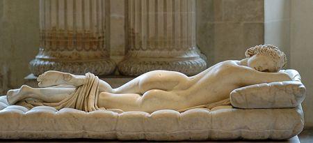 800px_Borghese_Hermaphroditus_Louvre_Ma231