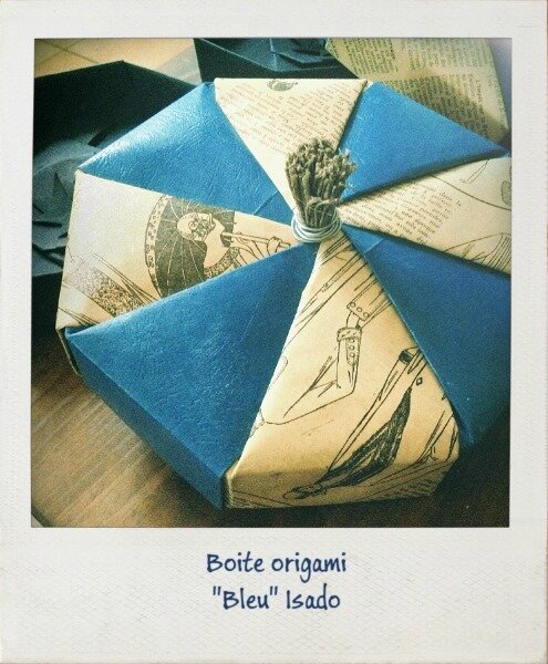 bo tes origami cadeau la s rie bleue continue origami octogonal box isado. Black Bedroom Furniture Sets. Home Design Ideas