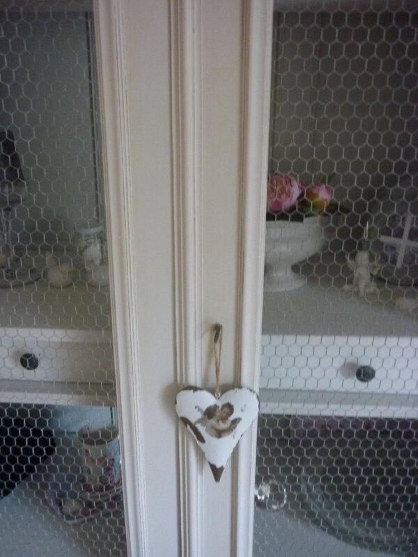 relooking armoire louis xv en vaisselier decap eco 48 d capage et relooking. Black Bedroom Furniture Sets. Home Design Ideas
