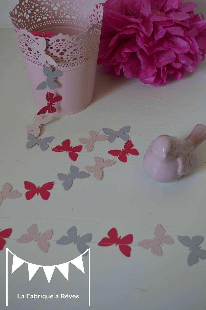Guirlande papillons cousus papier carton gris rose poudr - Chambre grise et rose poudre ...
