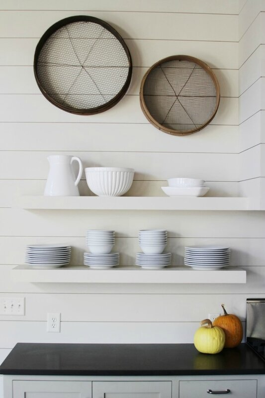 Beautiful-Shiplap-fashion-Atlanta-Beach-Style-Kitchen-Image-Ideas-with-antique-decor-black-countertop-shelf-unique-wall-decor-white-china-white-shelf-white-wood