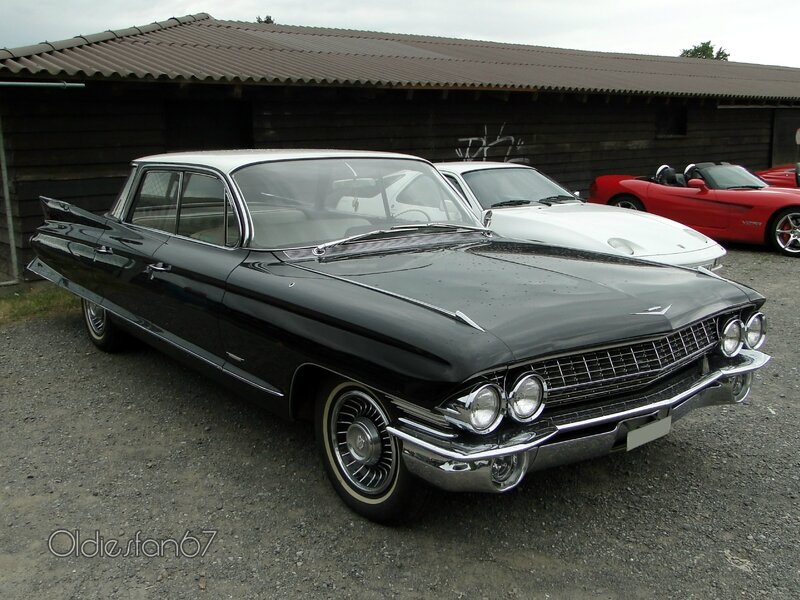 cadillac-62-4window-hardtop-sedan-1961-a